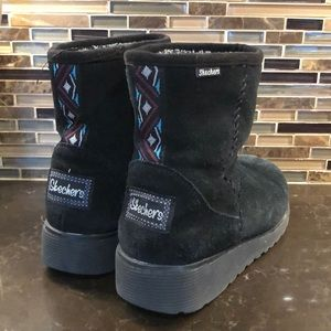 Sketchers faux fur lined suede leather boots